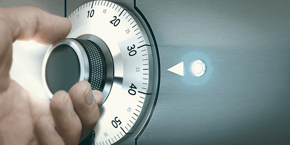 turning safe dial